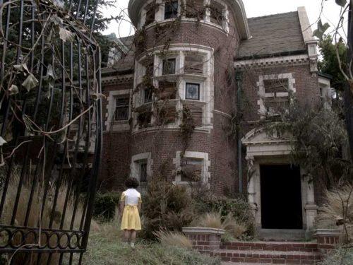 AMERICAN HORROR STORY: MURDER HOUSE (2011) di Ryan Murphy & Brad Falchuk